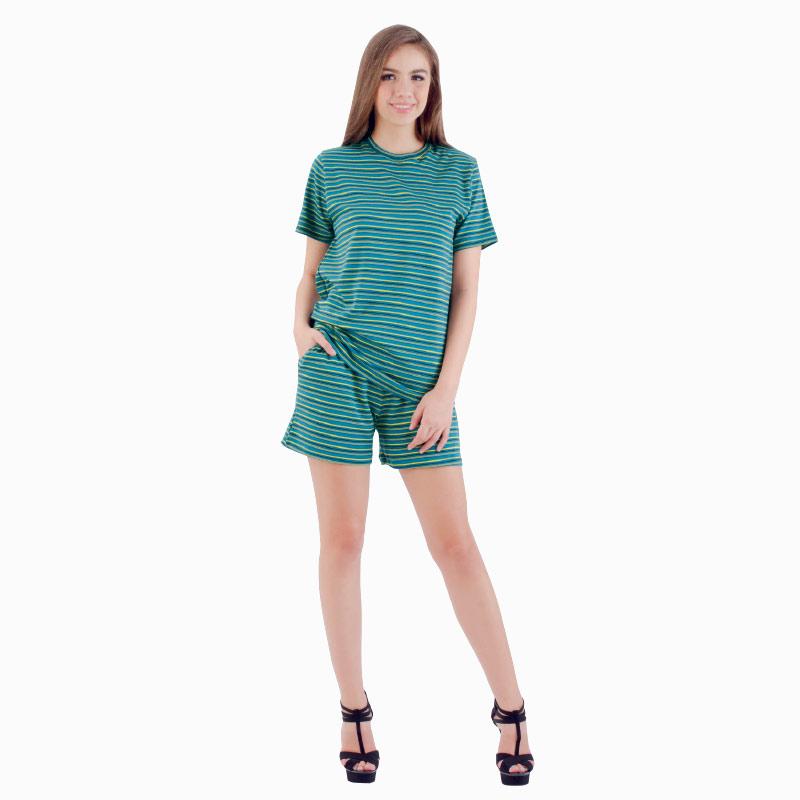 ชุดเสื้อยืดกางเกงขาสั้นสุดชิค สีเขียว